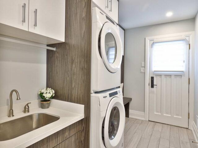 custom laundry room - toronto custom home builder