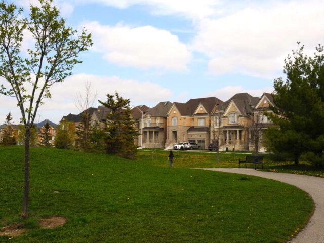 Modern Custom Homes Toronto