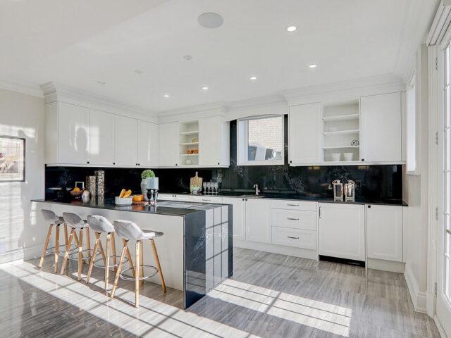 black and white custom kitchen - custom home expert