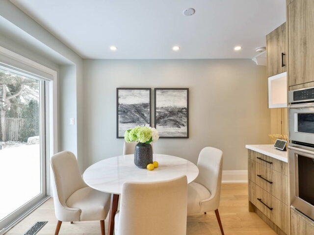 small siting area in custom kitchen - custom home experts