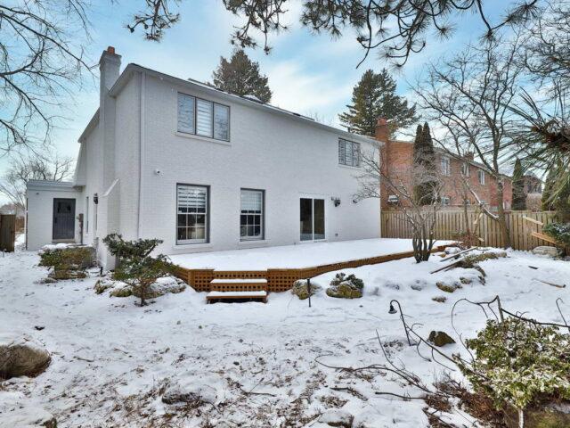 custom home backyard - custom home builders Toronto